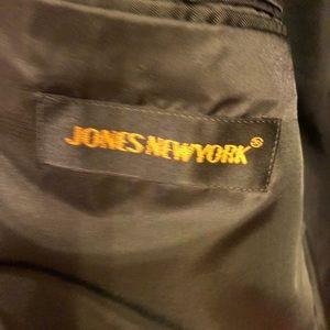 Jones New York Suits & Blazers - Jones New York men's suit, charcoal gray